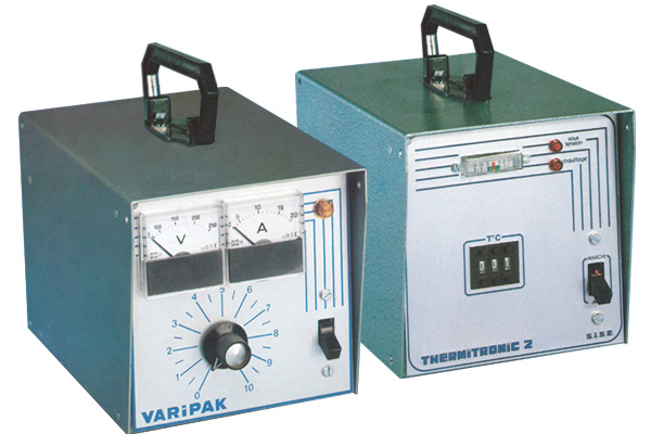 First hot runner temperature controllers SISE- VARIPAK